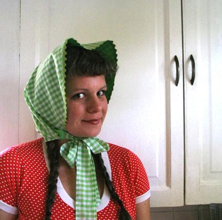 apron bonnet!