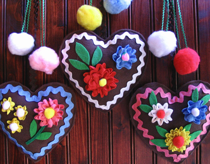 fun and festive gingerbread hearts!